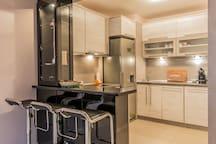 Лукс 1BD Suite, ограничен достъп, Best Area 9 FlatAway